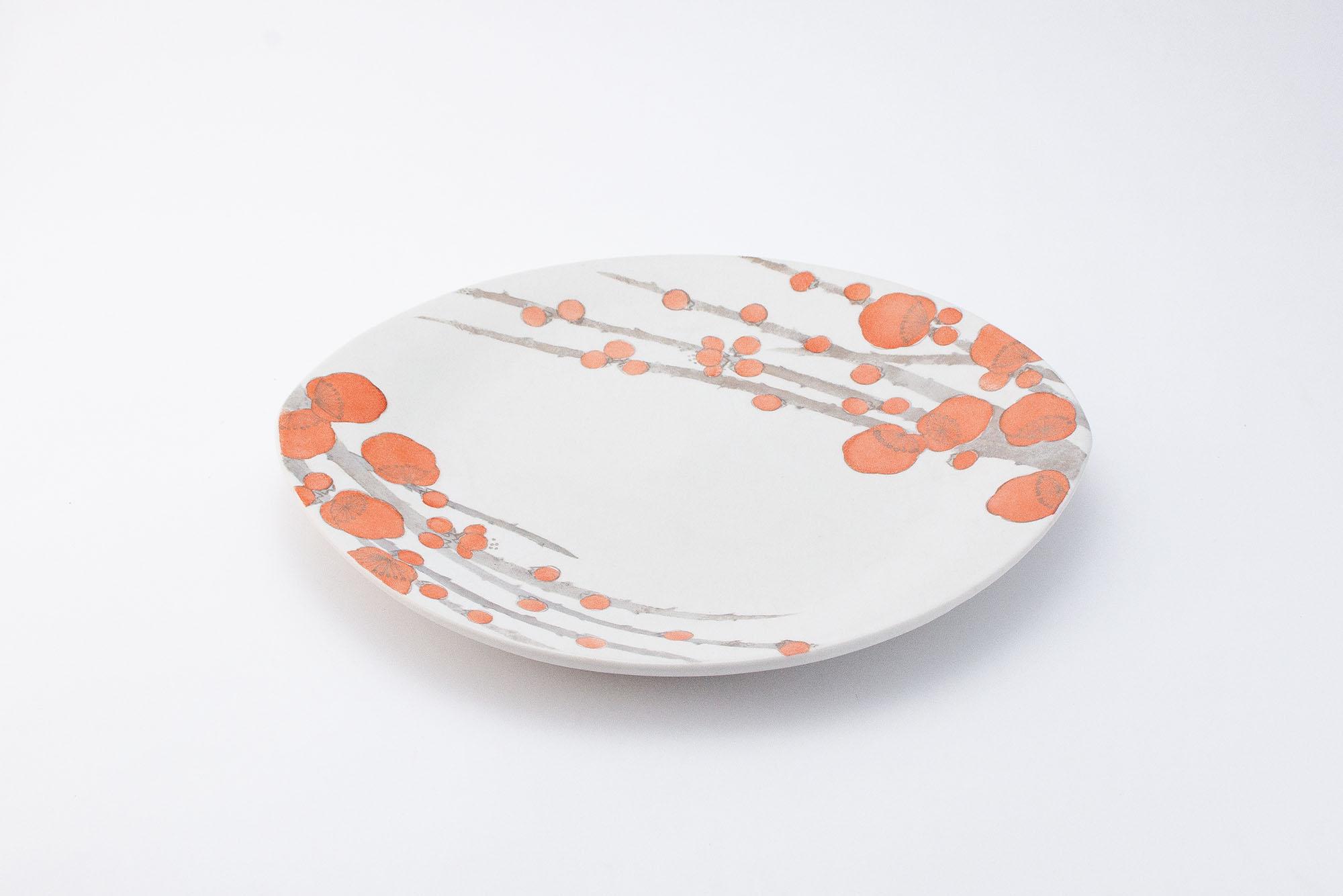 赤絵銀彩皿「梅香る」